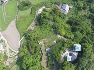 堀観音上空50mより、真下を空撮。参道の道程がよくわかります。