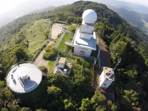 灰ヶ峰山頂の気象レーダーサイト・展望台全景